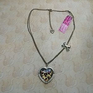 NWT BETSEY JOHNSON NECKLACE